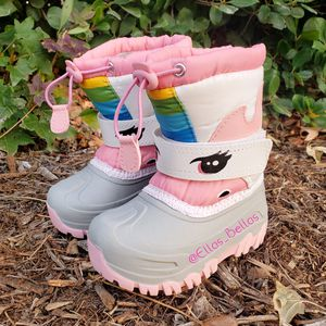 Toddler - kid snow boots for Sale in Bloomington, CA