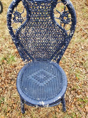 Wicker chair and hamper for Sale in Caney, KS