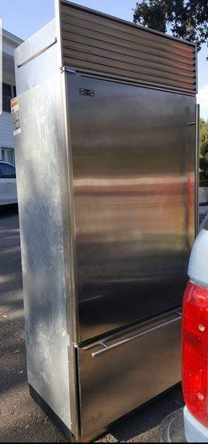 Sub zero refrigerator for Sale in Los Angeles, CA
