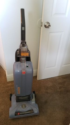 Hoover paws vacuum for Sale in Miami, FL