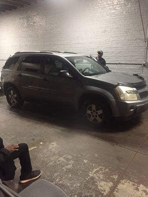 2005 Chevy equinox 28460 mile for Sale in Chicago, IL
