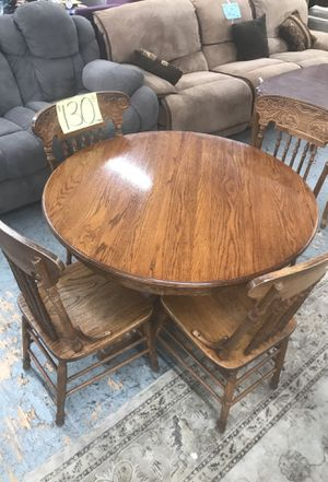 Dining table with 4 chairs for Sale in San Diego, CA