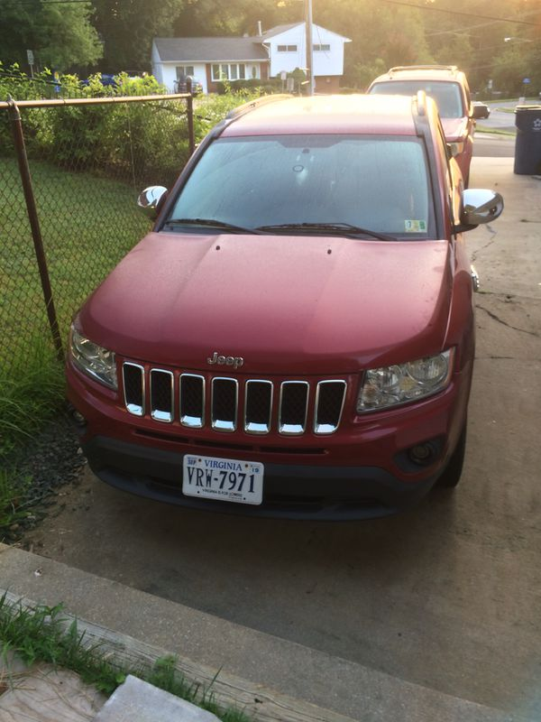 JEEP COMPASS 2012. 4cilindros 4x4 automatica 146 mil millas