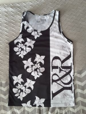 Y&R blouse size M for Sale in Riverside, CA