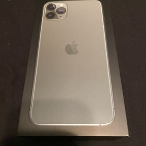 iPhone 11 Pro Max for Sale in Elmhurst, IL