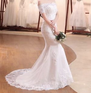 Brand New Wedding Dress Size 6 for Sale in South Jordan, UT