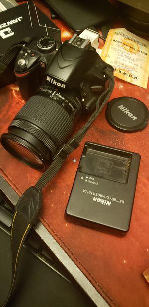 Nikon D3200 for Sale in Bakersfield, CA