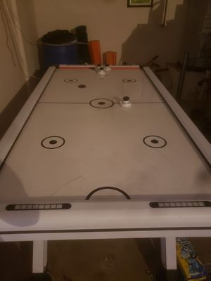Air hockey 🏒 table near mint $375 for Sale in Winchester, CA