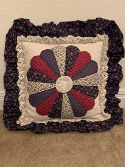 Small Throw Pillow for Sale in Waco,  TX