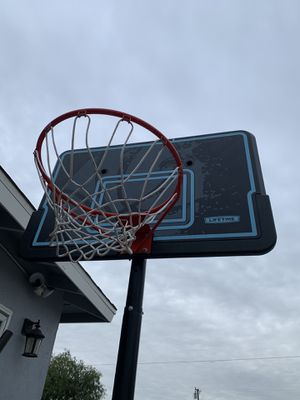 Basketball hoop for Sale in Buena Park, CA