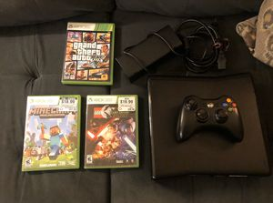 Xbox 360 w controller & 3 games for Sale in Tacoma, WA