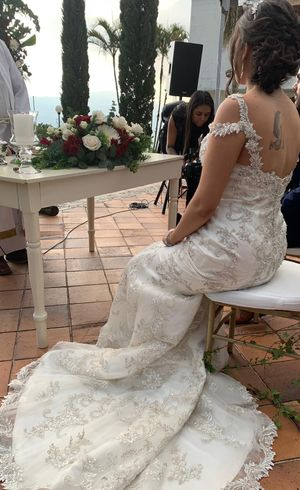 Wedding dress- maggie sottero for Sale in Boston, MA