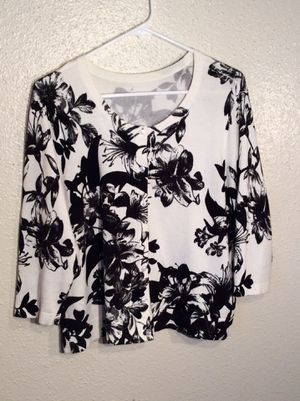 Floral Black White Women's 3/4 Sleeve Button-up Cardigan Sweater in package - Size XL for Sale in Austin, TX