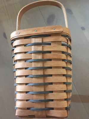Longaberger Heartland Large Peg Basket for Sale in Brandon, FL