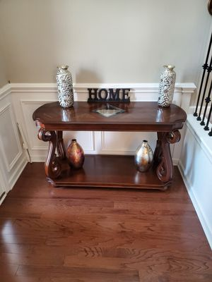 Like new console table and mirror set. for Sale in Smyrna, TN