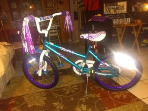 Topaz girl bike/ages 10-12 for Sale in Austin, TX