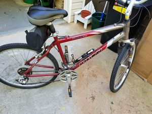 26 Men's Sierra GS mountain bike Schwinn for Sale in Hiram, GA