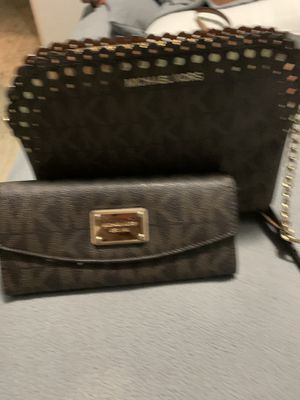 michael kors crossbody and wallet for Sale in Anaheim, CA