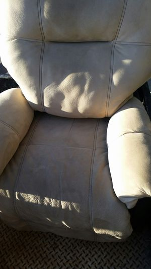Free furniture for Sale in San Diego, CA