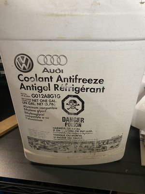 VW Volkswagen/Audi coolant for Sale in Naperville, IL