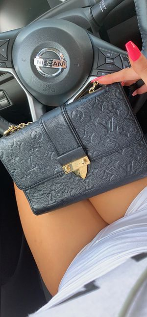 Louis Vuitton Shoulder Bag for Sale in Irvine, CA