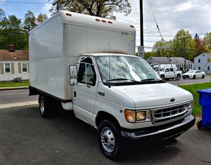**Ford 350 Super Duty Gas 2000** for Sale in Hartford, CT