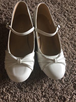 White dress shoes Size 3 for Sale in Fairfax, VA