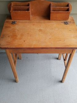 Kids Wood Desk for Sale in Vancouver,  WA