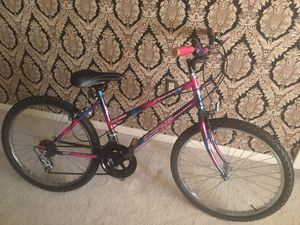 Mountain bike good condition for Sale in West Palm Beach, FL