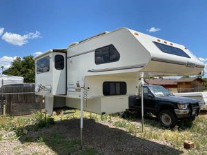 2001 Lance camper for Sale in Chino, CA