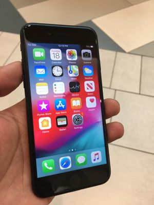 Apple iPhone 7 32gb black unlocked for any company SIM card At&t cricket T-Mobile metro Verizon PagePlus sprint boost mobile for Sale in Bakersfield, CA