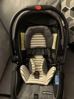 Graco® SnugRide® SnugLock™ 35 DLX Infant Car Seat for Sale in Buffalo, NY