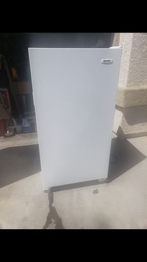 White Westing House Freezer for Sale in Las Vegas, NV