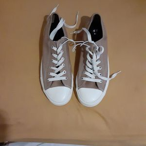 Tennis Shoes Size 9 for Sale in Riverdale, GA