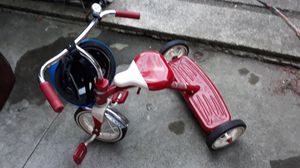 VERY NICE TRICYCLE WITH HELMET FOR SALE for Sale in Bellevue, WA