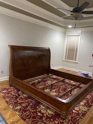 King size Bernhardt Solid Wood Bedroom Set for Sale in Murfreesboro, TN