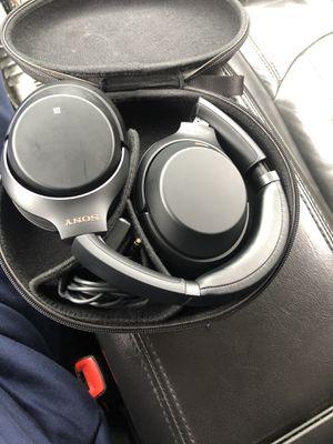 Sony wireless Bluetooth headphones for Sale in Warren, MI