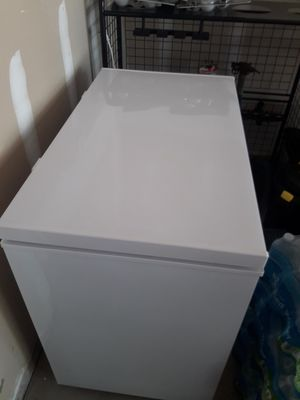 Igloo Freezer for Sale in Pataskala, OH