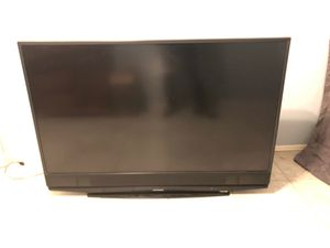 Mitsubishi 60 inch projector tv for Sale in Peoria, AZ