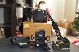 Nikon D7100 24.1MP Digital SLR Camera Body Only + Extras for Sale in Miramar, FL
