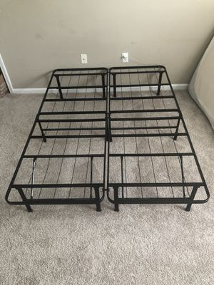 Metal bed frame for Sale in Charlotte, NC