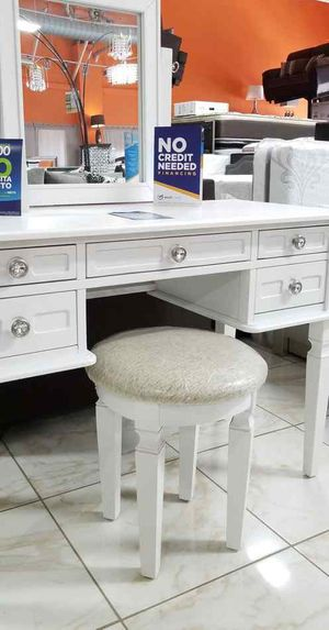 Brand new vanity with stool new furniture G4 for Sale in Montclair, CA