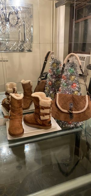 Authentic Buckle UGG boots for Sale in Queens, NY