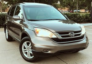 SELLING ONE OWNER HONDA CRV 2010 WELL MAINTAINED NEW TIERS for Sale in Columbus, OH