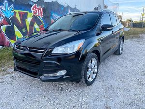 2014 Ford Escape Titanium 130k $6900 Beautiful carfax, way below carfax value. for Sale in Miami, FL