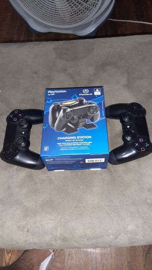 Ps4 controllers and charging station for Sale in San Antonio, TX