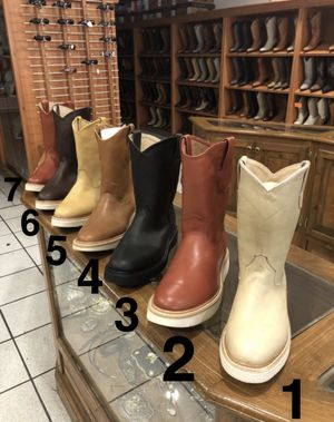 Fenix lechugera Mens leather Work Boots for Sale in Calexico, CA