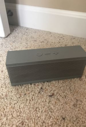 Jawbone Bluetooth speaker with aux and charging for Sale in Delaware, OH