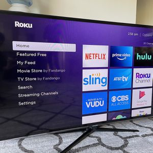 """60"""" SAMSUNG LED HD TV with Roku Premiere for Sale in Los Angeles, CA"""