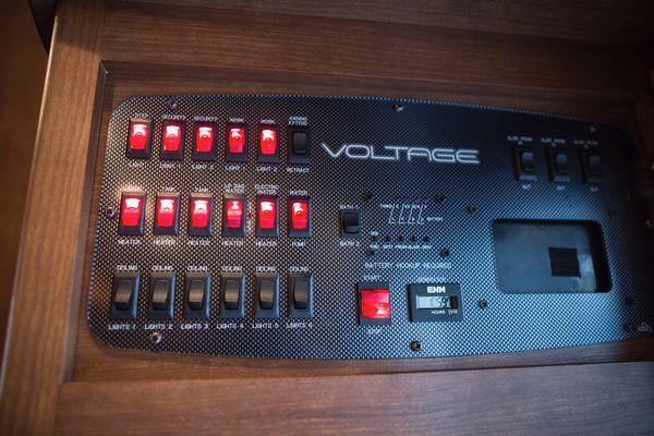 2013 Dutchman Voltage 3950